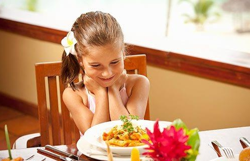 Holiday Inn Resort Vanuatu kids stay and eat for free